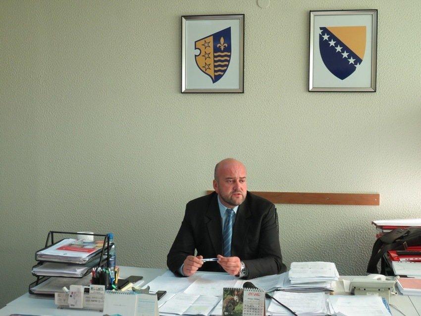 Leutar.net Ministar finansija priznao falsifikovanje fakultetske diplome, pa dobio uslovnu kaznu