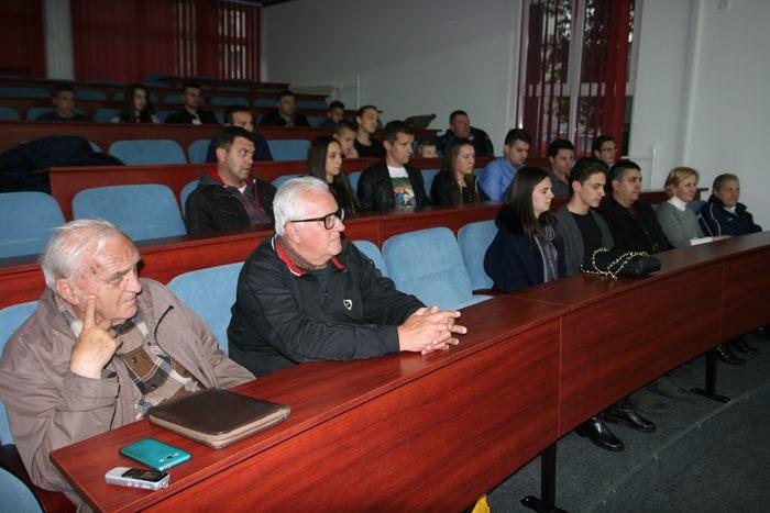 "Leutar.net POSLIJE VIŠE DECENIJA – Obnovljen rad vaterpolo kluba ""Leotar"""