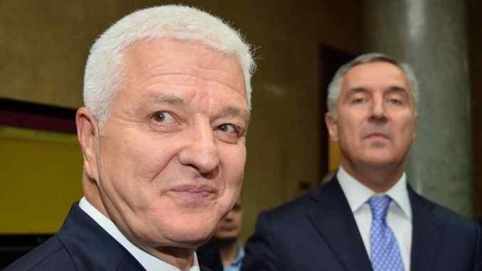 Leutar.net Premijer Marković najavio protjerivanje sveštenika SPC iz Crne Gore