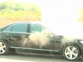 Leutar.net Zapalio se automobil Milorada Dodika (VIDEO)