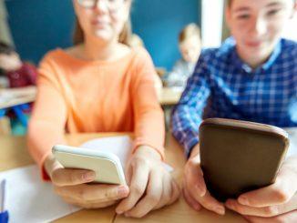 Leutar.net Zakonom protjerati mobilne iz škola