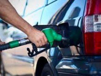 Leutar.net Za prosječnu platu u BiH se može natočiti 385 litara goriva, a u Njemačkoj 1.845 litara goriva