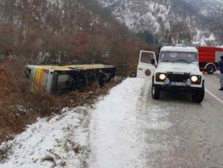 Leutar.net CJB Trebinje: Dvoje poginulih i više povrijeđenih prilikom prevrtanja autobusa