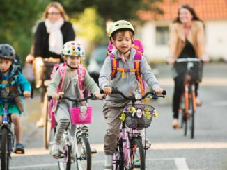Leutar.net Djeca roditelja koji ostave duvan od grada dobijaju bicikl na poklon