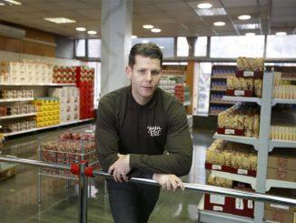 Leutar.net MLADIĆ IZ BIH NAPRAVIO APLIKACIJU 'ROBIN FOOD': SPAJA ONE KOJI IMAJU PREVIŠE HRANE S ONIMA KOJI JE NEMAJU