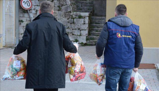 """Leutar.net Povodom Božića """"Merhamet"""" podijelio pomoć za 30 srpskih porodica u Mostaru"""