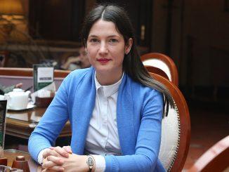 """Leutar.net KO SU """"ŠIROKOBRIJEŠKI ĐACI"""" Jelena Trivić ne odustaje od PROVJERE DIPLOMA u Srpskoj"""