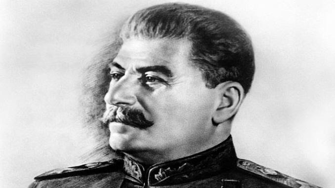 Leutar.net Rusi sve više cijene Staljina: Rekordan procenat Rusa ocijenio njegovu ulogu pozitivnom