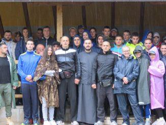 Leutar.net HODOČAŠĆE DO OSTROGA Došli iz Kanade da se poklone Svetom Vasiliju