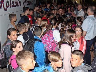 Leutar.net Trebinjci opet pokazali veliko srce: UGOSTILI PEDESETORO DJECE SA KOSOVA I METOHIJE (FOTO)