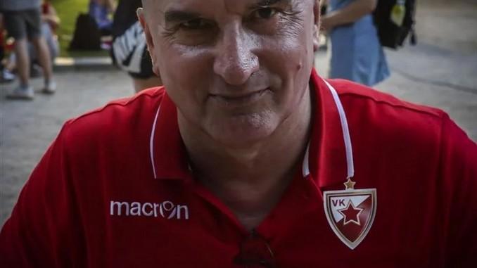 Leutar.net Na Paradi ponosa u Splitu hrvatski ratni veteran nosio majicu vaterpolista Crvene Zvezde