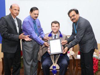 Leutar.net Prof. dr Erić postao počasni profesor jednog od najstarijih medicinskih Univerziteta u Indiji