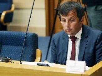 Leutar.net DO SADA NEVIĐENA AKCIJA Građani sakupljaju pare da pomognu poslaniku Nebojši Vukanoviću