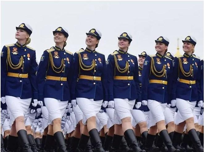 Leutar.net Više od 40.000 žena brani Rusiju FOTO