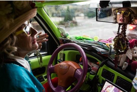 Leutar.net Tetka Katerina, duša i vozačica besplatnog taksija za djecu oboljelu od raka