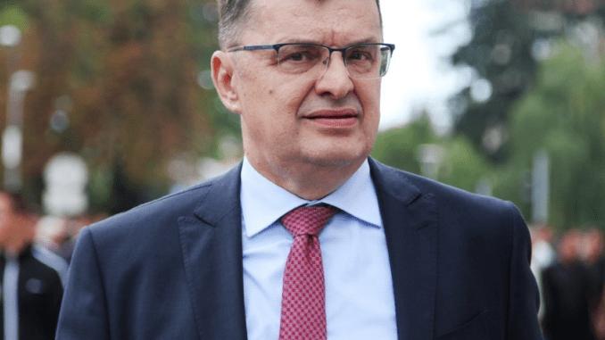 Leutar.net Nema više bježanja iz BiH, svako ko ode mora platiti 200.000 maraka!