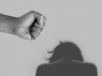 Leutar.net Roditelji iz BiH pretukli djevojku zbog veze s momkom iz Srbije
