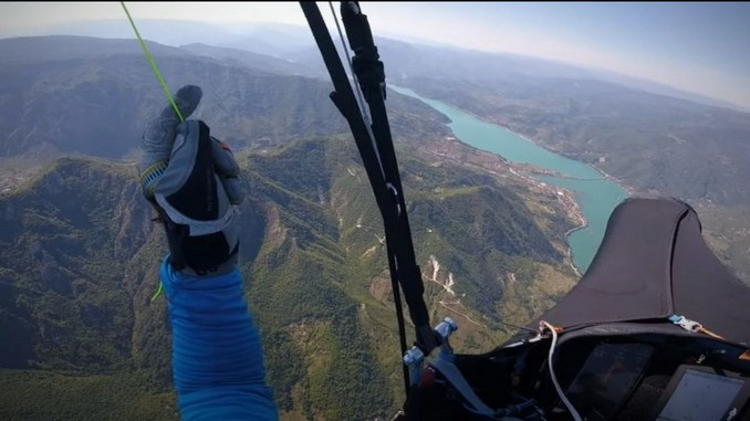 Leutar.net Pogledajte let paraglajderom od Sarajeva do Mostara (VIDEO)
