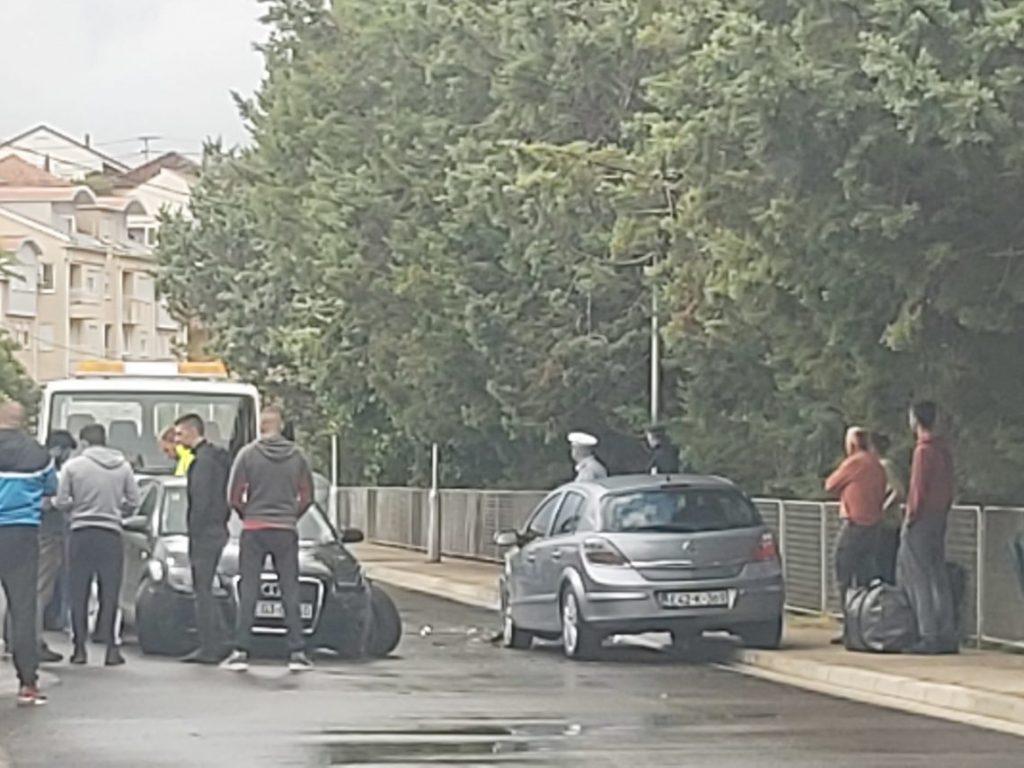 Leutar.net Sudar dva vozila u Policama