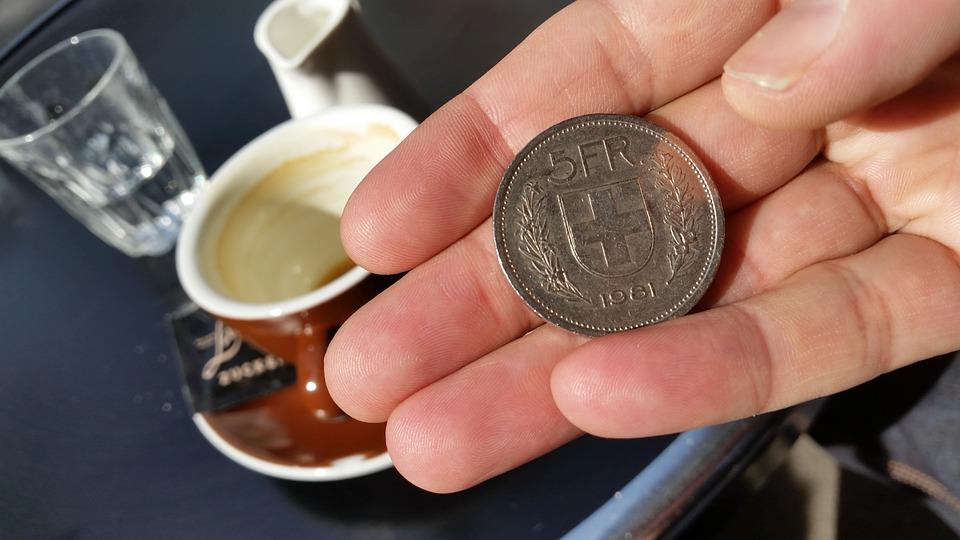 Leutar.net Koliki su fiksni troškovi života u Švajcarskoj? (Novac za 10 osnovnih troškova)