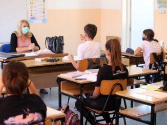 Leutar.net U Srpskoj se otvaraju bašte kafića, učenici nižih razreda kreću u školu