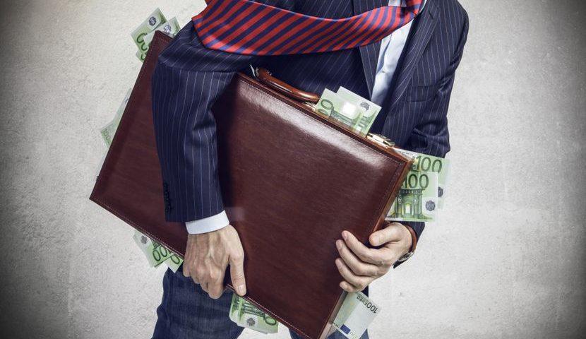 Leutar.net Troje bankara iz Niša, Pančeva i Novog Sada ukralo skoro milion evra: Svako razradio svoju prevaru
