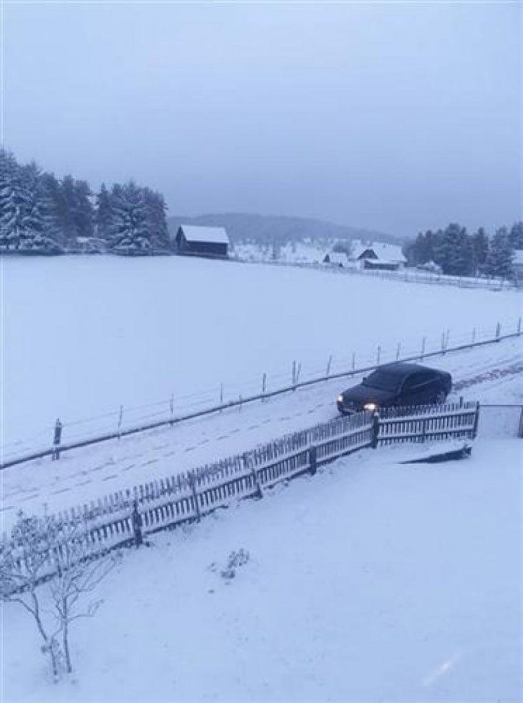 Leutar.net Prvi snijeg pao na Romaniji i Istočnom Drvaru (FOTO)