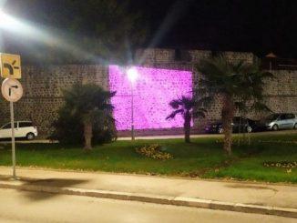 Leutar.net Da li znate šta znači rozo obasjan zid Starog grada?