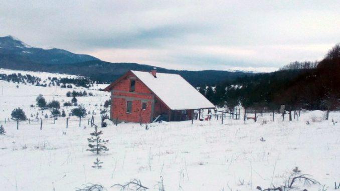 Foto: Srna | Jedini stanovnik povratničkog sela: Živim kao vuk samotnjak, ali na svome