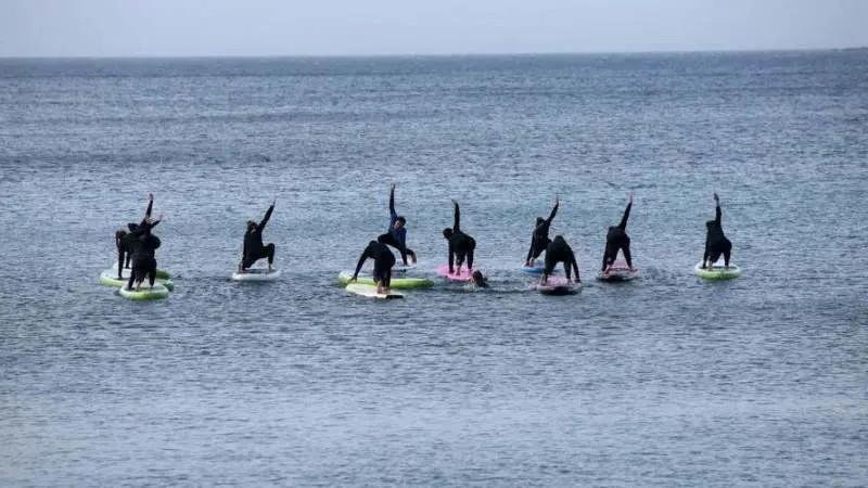 Leutar.net Vruć talas u Grčkoj: 28 stepeni, Grci masovno na plažama (FOTO)