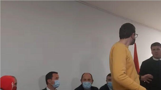Leutar.net Incident na današnjoj pres konferenciji: sukob Petrovića i Vukanovića