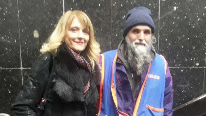 Leutar.net Doktorka iz Novog Sada prepoznala beskućnika na ulici, bio je to njen kolega sa fakulteta o kojeg se život ogriješio