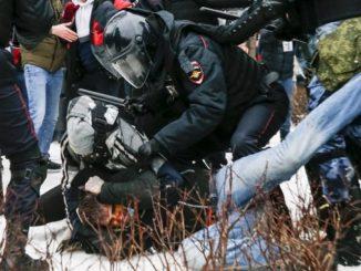 Leutar.net Haos i krv na ulicama Rusije (VIDEO)