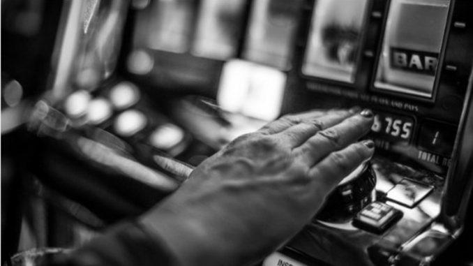 Leutar.net Zavisnost o kocki: U zadimljenoj prostoriji ostavila sam tri nekretnine, tri firme i miran život