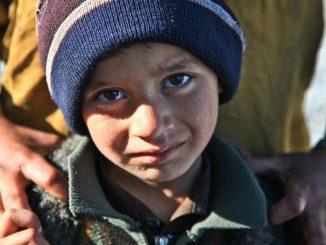 Leutar.net NAJLJEPŠA RATNA PRIČA KOJU VAM NISU ISPRIČALI: Kako je majka Derviša sačuvala srpskog dječaka od zlih ljudi!