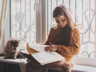Leutar.net Zašto će oni koji čitaju knjige uvijek biti ispred onih koji gledaju televiziju