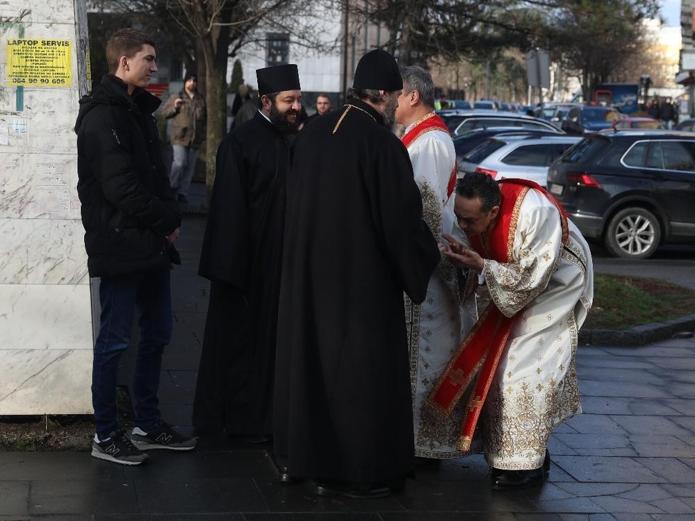 Leutar.net Izbor patrijarha: Liturgija u Hramu Svetog Save (FOTO)