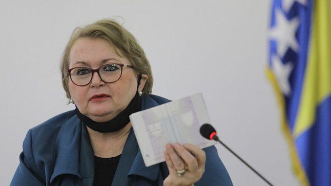 Leutar.net Bisera Turković pokušala ući u Njemačku sa falsifikovanim PCR testom?
