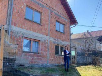 Leutar.net Doputovala iz Amerike u BiH kako bi pokrenula akciju i kupila kuću četvorici braće iz Sarajeva! Uspjela je