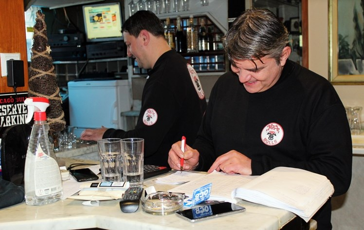 Leutar.net Kafe Bulls - lokal s dušom: SLAVO I ŠTRECA TANDEM BEZ PREMCA