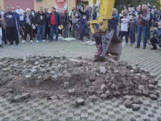 """Leutar.net Prekopan parking kod terase """"Kajak"""" u Banjaluci"""