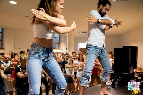 Leutar.net ZOKI I ANĐELA: Plesni par koji senzualnom baćatom hipnotiše Novi Sad (FOTO I VIDEO)