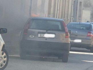 Leutar.net Vozila stalno u prvoj brzini pa joj se zapalio auto