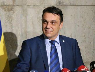 Leutar.net Sadik Ahmetović osuđen na šest mjeseci zatvora