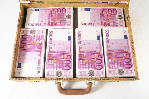 Leutar.net POŠTENI NALAZAČ IZ NIŠA: Aleksandar vratio 50.000 €, dobio zagrljaj