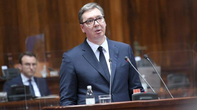 Leutar.net Vučić: Rađajte decu, neće imati ko da nam radi u fabrikama