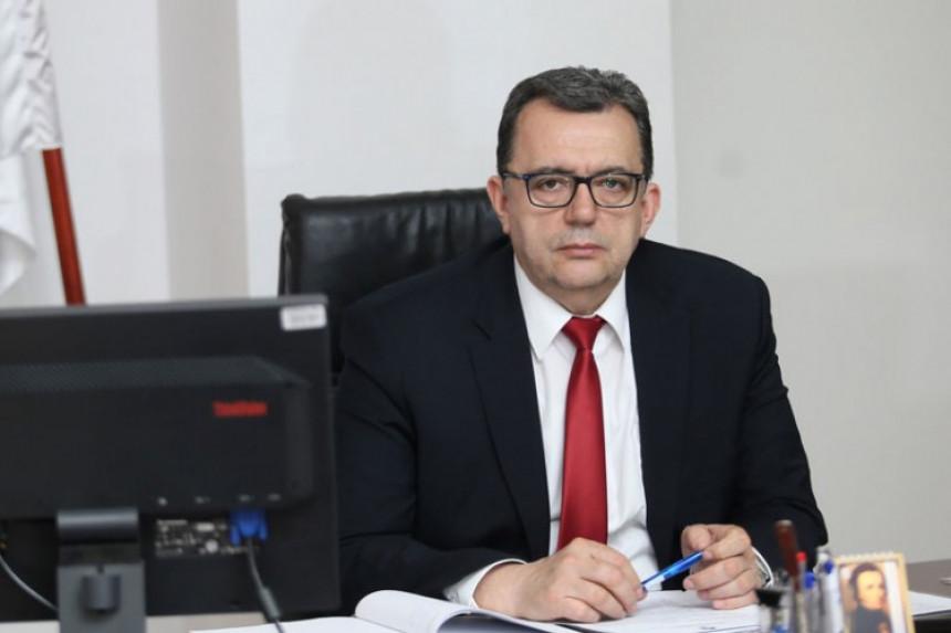 Leutar.net Vukanović u nenajavljenoj posjeti glavnom revizoru Radukiću - ultimatum!
