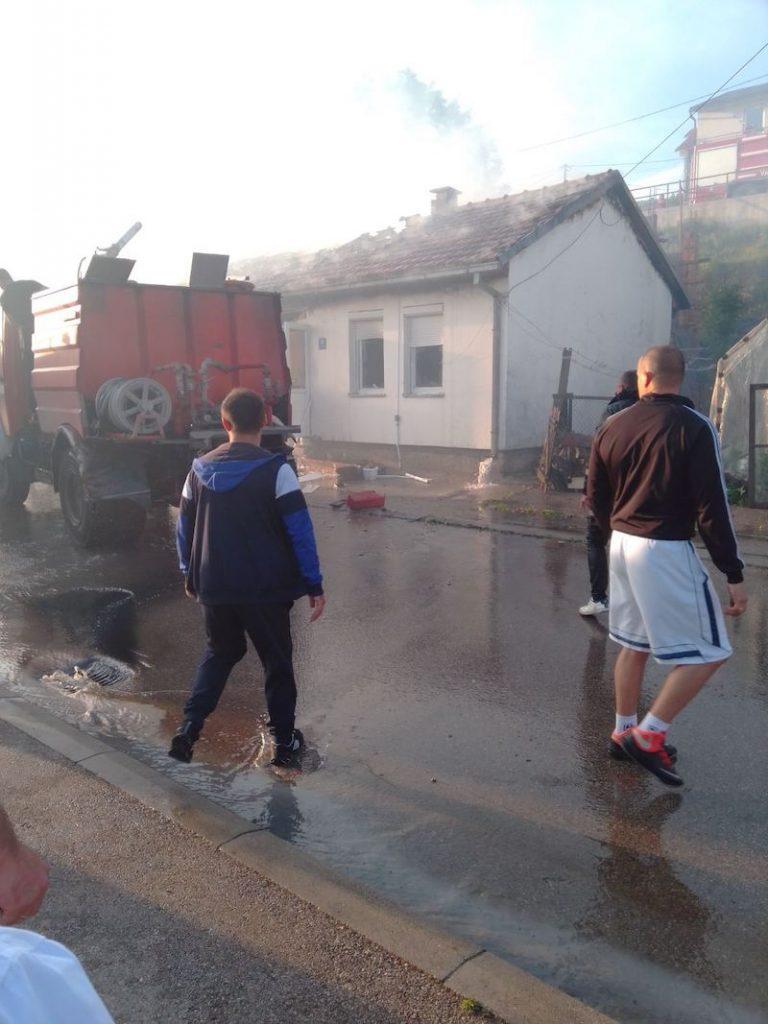 Leutar.net Požar u Gacku - izgorjele dvije kuće