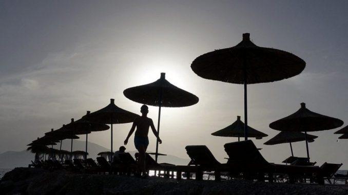 Leutar.net Pucnjava na plaži u Albaniji: Ubijene četiri osobe zbog sukoba oko ležaljki…