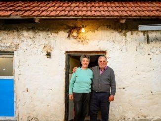 Leutar.net Zahvaljujući Vladi Švedske: Jovo i Smilja prvi put upalili svjetlo u svojoj kući